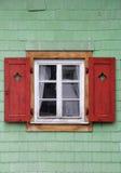 Traditioneel Oostenrijks venster Royalty-vrije Stock Afbeeldingen
