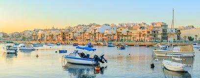 Traditioneel oud visserijdorp Marsaskala bij zonsopgang in Malta Royalty-vrije Stock Fotografie