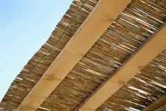 Traditioneel riet en houten dak Stock Afbeeldingen