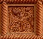 Traditioneel Russisch ornament op de tegels van de kleioven royalty-vrije stock foto