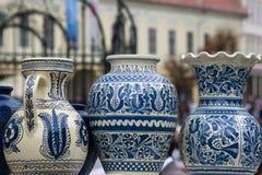 Traditioneel rustiek aardewerk van Roemenië stock fotografie