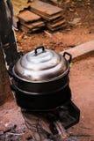 Traditioneel stoom het koken werktuig Stock Afbeeldingen