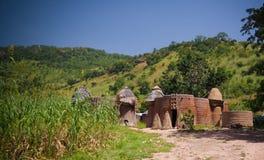 Traditioneel Tammari-mensendorp van Tamberma in Koutammakou, het Land van Batammariba, Kara-gebied, Togo royalty-vrije stock foto's