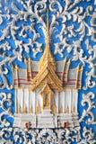 Traditioneel Thais tempelbeeldhouwwerk Stock Foto's