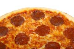 Traditionele Amerikaanse/Italiaanse kaas en pepperonispizza Royalty-vrije Stock Afbeeldingen