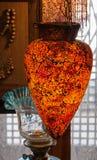 Traditionele Arabische glaslampekappen op vertoning in traditionele markt in Damascus, Syrië Stock Afbeeldingen