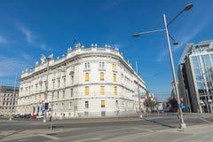 Traditionele architectuur in oude stad in Wenen, Oostenrijk stock fotografie