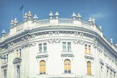 Traditionele architectuur in oude stad in Wenen, Oostenrijk stock afbeelding