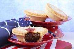 Traditionele Australische Vleespasteien Stock Foto