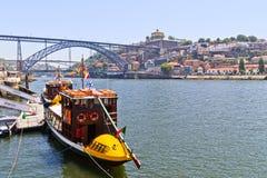 Traditionele boten in Porto, Portugal stock afbeelding