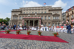 Traditionele collectieve huwelijksceremonie in Belgrado 3 Royalty-vrije Stock Afbeeldingen