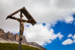 Traditionele Crufix in Dolomiti-Gebied - Italië Stock Foto's