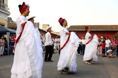 Traditionele dansers in Coatepec stock foto's