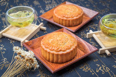 Traditionele de maancake en thee van China Royalty-vrije Stock Afbeelding