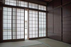 Traditionele de ruimte binnenvlakte van Japan met tatamimatras stock afbeeldingen