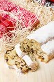 Traditionele Duitse bakkerij: Kerstmis van Dresden stollen Stock Foto