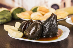 Traditionele Ecuatoriaanse voedselfig. met honingshigos Stock Fotografie