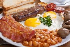 Traditionele Engelse Ontbijt Dichte omhooggaand stock afbeeldingen