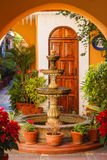Traditionele fontein in Oaxaca stock foto's