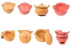 Traditionele fornuizen en potten geplaatst die van rode klei worden gemaakt Royalty-vrije Stock Afbeelding