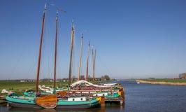 Traditionele frisian houten schepen in Sloten Stock Fotografie