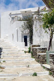 Traditionele Griekse architectuur op de eilanden van Cycladen Stock Foto