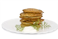 Traditionele heerlijke aardappelpannekoeken Stock Foto's