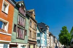 Traditionele helft-betimmerde huizen in de oude stad van Rouen, Frankrijk stock foto