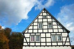 Traditionele helft-betimmerde huizen, Duitsland stock foto