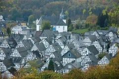Traditionele helft-betimmerde huizen in freudenberg, Duitsland royalty-vrije stock fotografie
