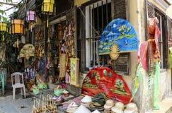 Traditionele herinneringswinkel in Hoi An, Vietnam stock foto's