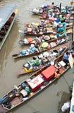 Traditionele het drijven markt, Thailand. Stock Foto