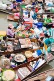 Traditionele het drijven markt, Thailand. Royalty-vrije Stock Afbeelding