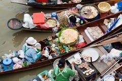 Traditionele het drijven markt, Thailand. Stock Foto's