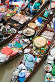 Traditionele het drijven markt, Thailand. Royalty-vrije Stock Afbeeldingen