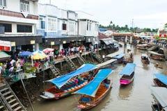 Traditionele het drijven markt, Thailand. Royalty-vrije Stock Foto's