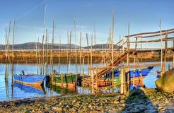 Traditionele houten boten in Lima rivier stock foto