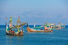 Traditionele houten vissersboten op het eiland van Bali Royalty-vrije Stock Afbeelding
