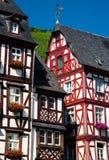 Traditionele houthuizen in de Vallei Duitsland van Moezel stock foto's