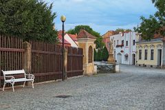 Traditionele huizen in de oude stad van Telc, Tsjechische Republiek De erfenisplaats van Unesco Stock Foto