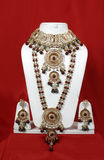 Traditionele Indische bruids jewelery royalty-vrije stock foto