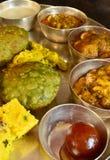 Traditionele Indische vegeterian schotel stock foto