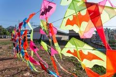 Traditionele Indische vliegers voor verkoop om tijdens Pongal of Sankra te vliegen royalty-vrije stock fotografie