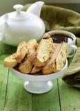 Traditionele Italiaanse biscottikoekjes (cantucci) Royalty-vrije Stock Fotografie