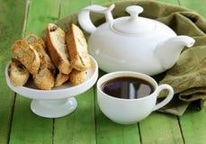 Traditionele Italiaanse biscottikoekjes (cantucci) Stock Foto's