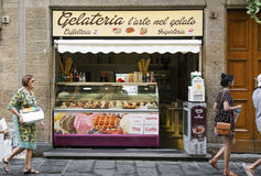 Traditionele Italiaanse gelateria Stock Foto's