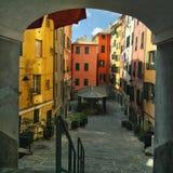 Traditionele Italiaanse kleurrijke huizen bij zonnige dag Royalty-vrije Stock Foto's