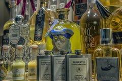Traditionele Italiaanse likeur Limoncello van verschillende manufactur royalty-vrije stock foto's
