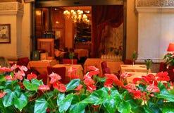 Traditionele Italiaanse restaurantplaatsing Milan Italy stock foto