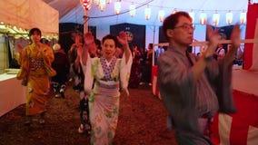 Traditionele Japanse dans bij een jaarlijks feest bij Hie-Heiligdom in Tokyo - TOKYO/JAPAN - JUNI 15, 2018 stock videobeelden